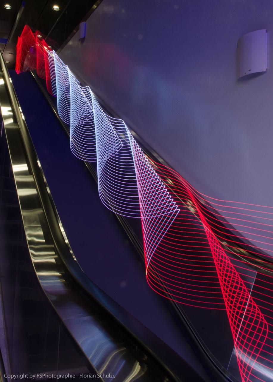 LED LIghtPainting auf einer Rolltreppe