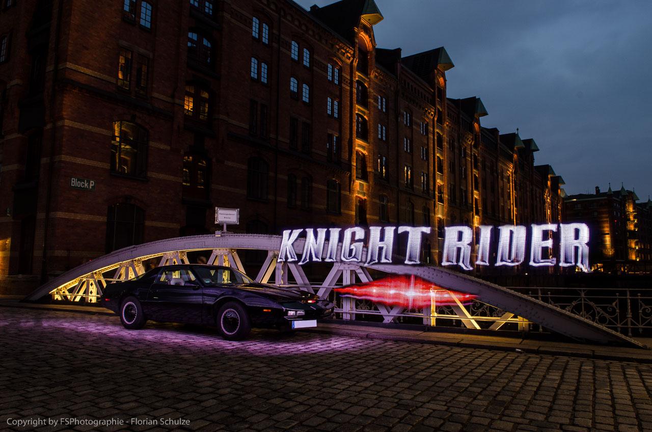 KITT mit dem Knight Rider Logo