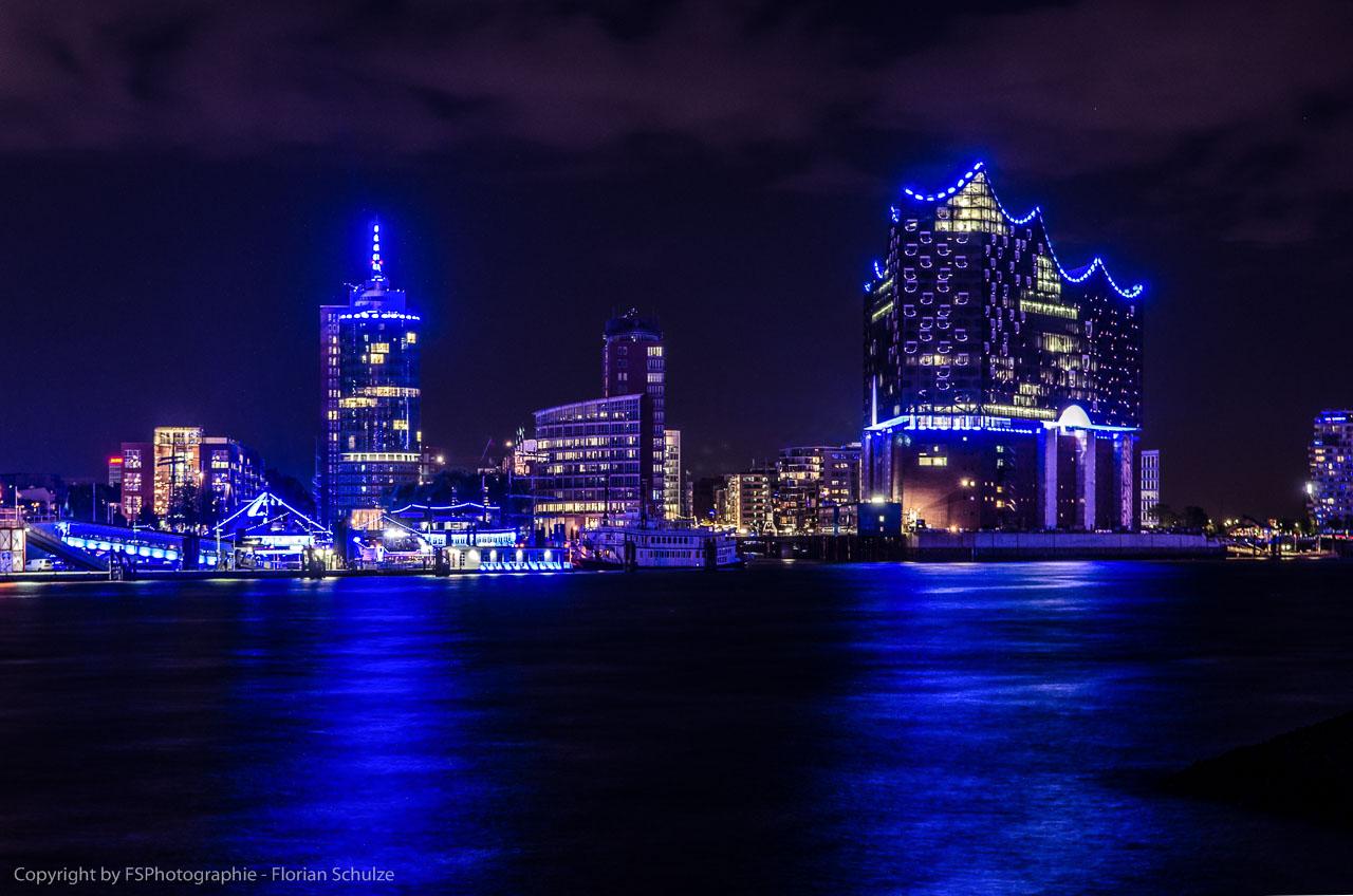 BluePort mit der Elbphilharmonie